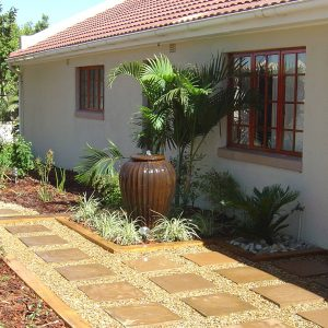 Sandstone Riven 450 Pavers With Stone